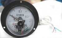 带导线的电接点压力表